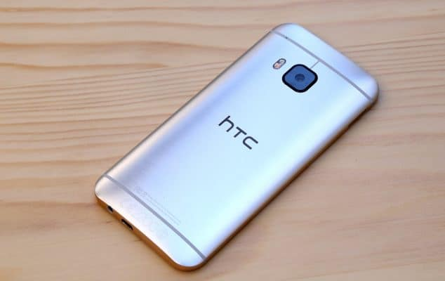 chargeur a induction HTC