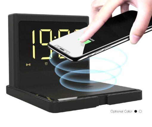 Réveil numérique compact avec chargement sans fil et port USB 4 en 1